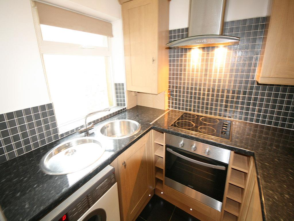 3 bedroom mid terrace house To Let in Barnoldswick - IMG_0936.jpg